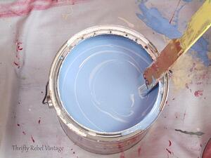 Image Source: https://thriftyrebelvintage.com/2016/05/how-to-mix-your-own-paint.html/